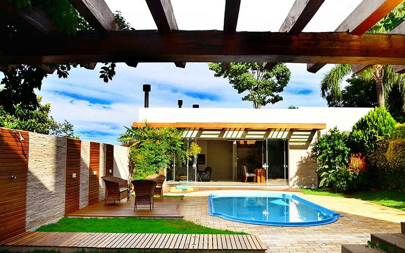 Pergolado – Área de lazer de Residência Cotinha Genro – Santiago/RS